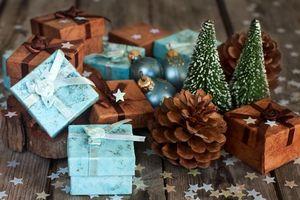 Бесплатные фото shishki,podarki,prazdnik,konfetti