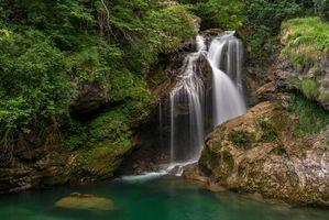 Заставки водопад, скалы, речка