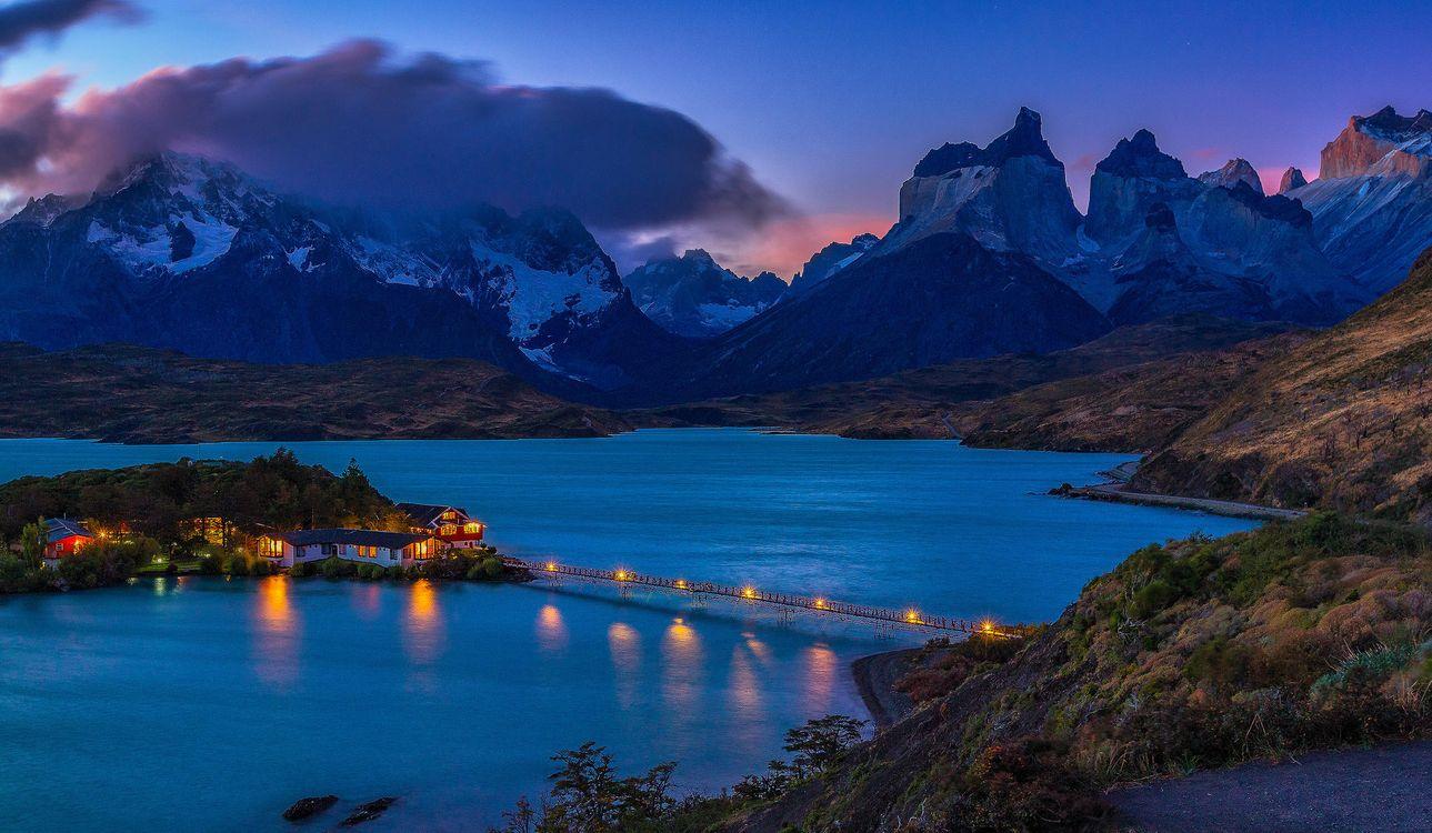 Фото бесплатно Патагония, Отель, Pehoe, Hotel Pehoe, Ледниковое озеро, Lago Pehoe, Чили, пейзажи