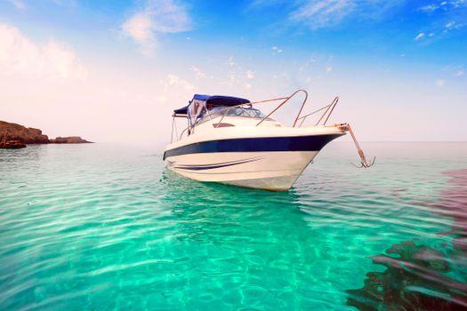 Фото бесплатно море, катер, остров