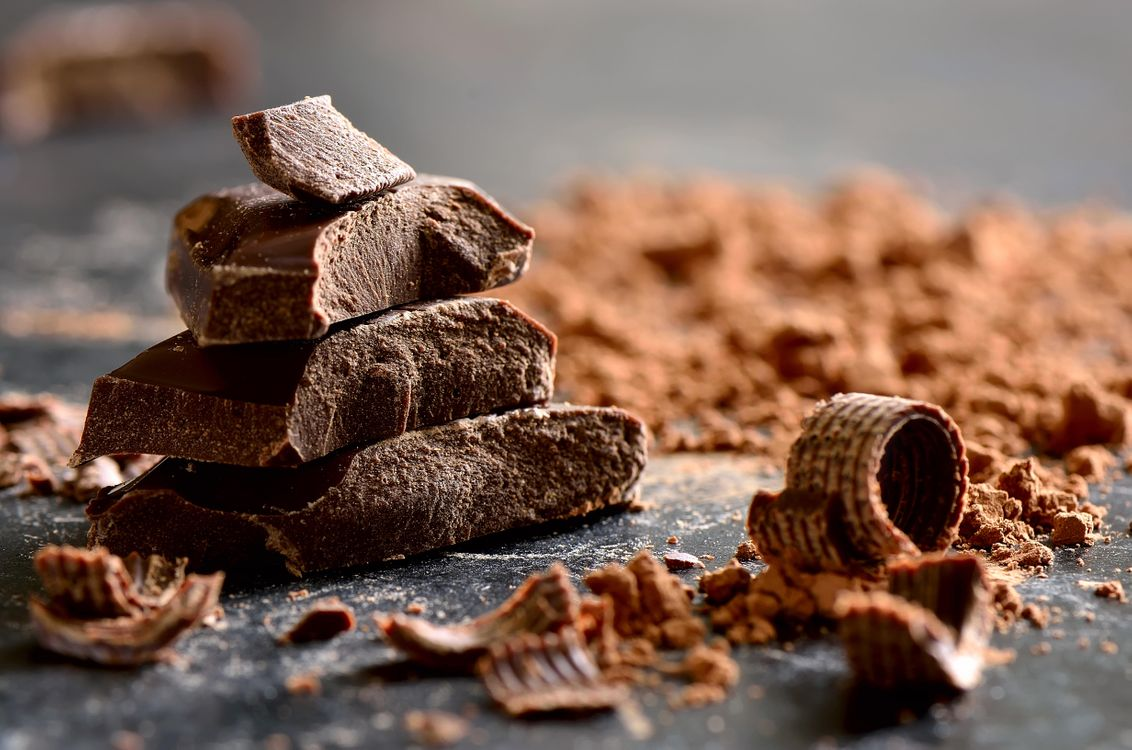 Фото бесплатно шоколад, стружка, кусочки шоколада - на рабочий стол