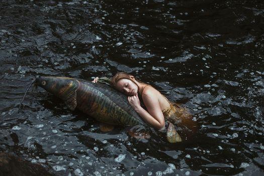 Бесплатные фото девушка,вода,рыба,ситуация
