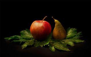 Бесплатные фото фрукты,десерт,еда,яблоки,груши,чёрный фон