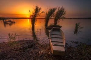 Бесплатные фото закат,озеро,берег,лодка,пейзаж