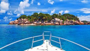Бесплатные фото тропики,Сейшелы,море,яхта,остров,пляж