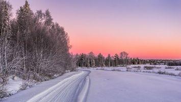 Заставки зима,дорога,снег,сугробы,лес,деревья,пейзаж