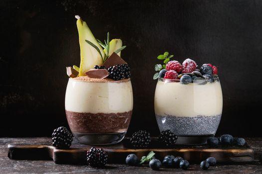 Бесплатные фото ежевика,шоколад,завтрак,стаканы,пудинг,малина,йогурт,ягоды,черника,рисовый