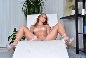 Бесплатные фото Kira Thorn, модель, красотка, голая, голая девушка, обнаженная девушка, позы
