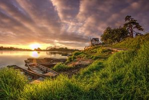 Бесплатные фото река,трава,небо,солнце,лето,дом,лодки