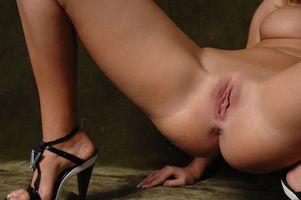 Обои Alionka, Damita, Lada C, Lada, Alona, Aliona, модель, красотка, голая, голая девушка, обнаженная девушка, позы