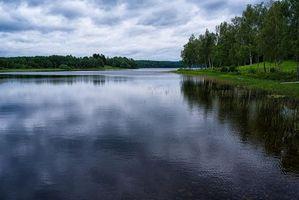 Бесплатные фото закат,озеро,тучи,деревья,пейзаж