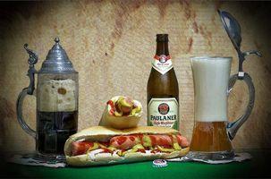 Заставки пиво, кружка, бутылка, хот дог, напиток, еда
