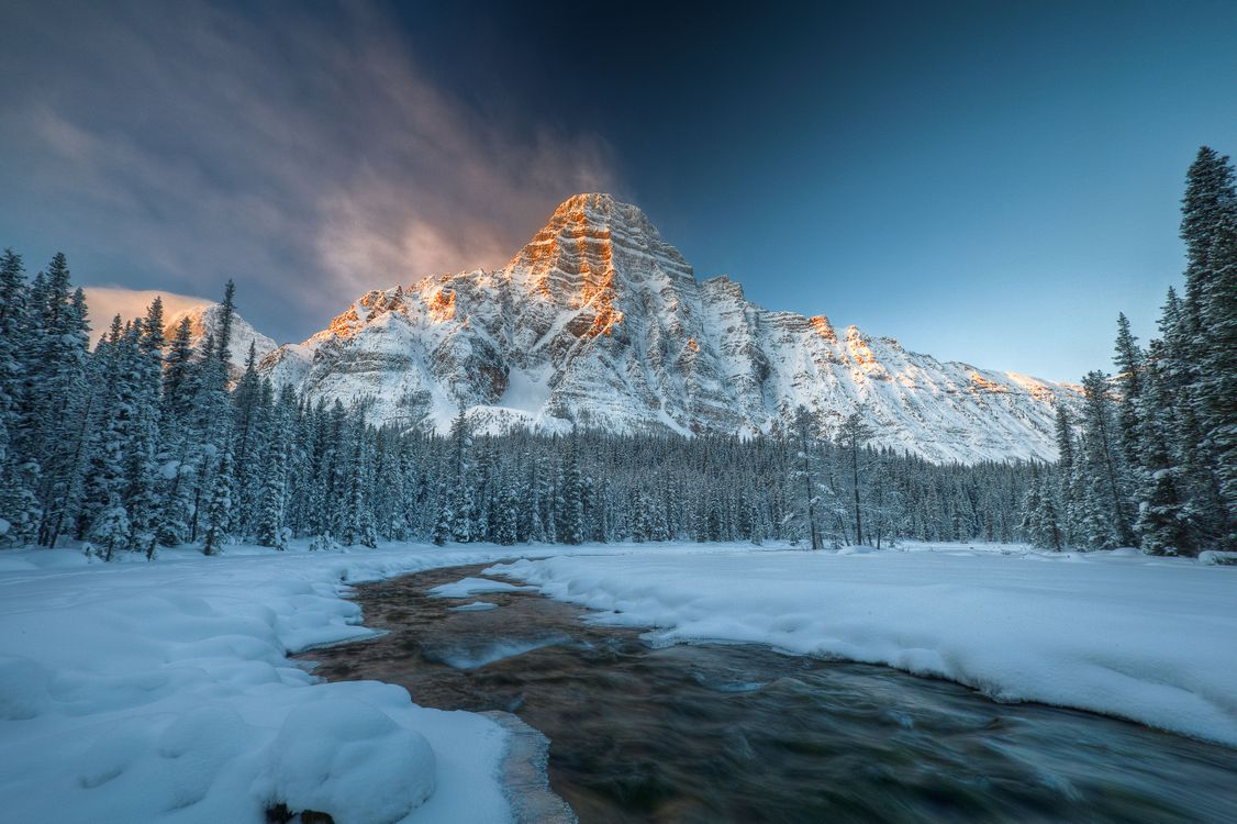 Картинка Banff National Park, Alberta, Canada, зима, река, горы, деревья, пейзаж на рабочий стол. Скачать фото обои пейзажи