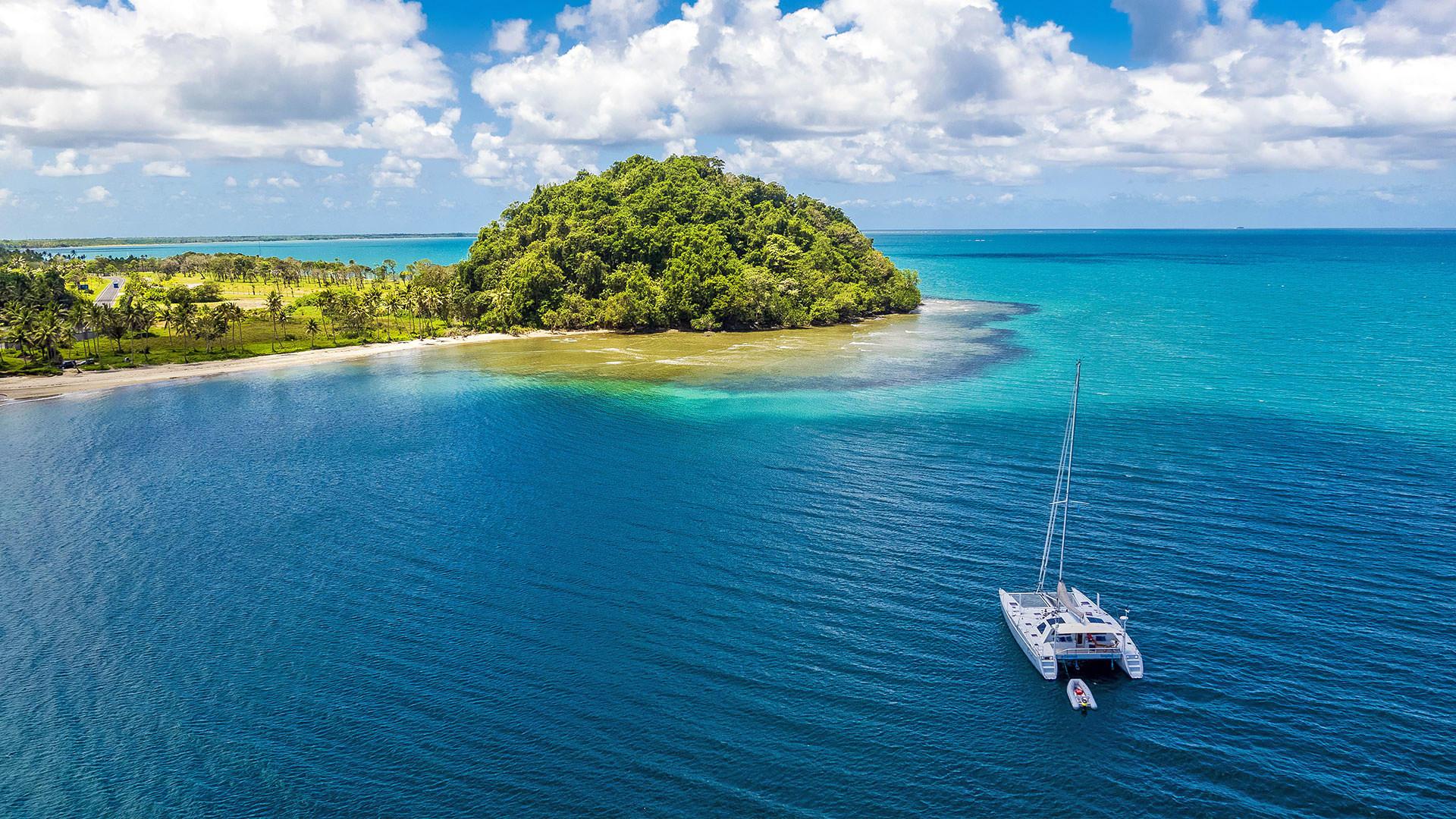 tropiki-more-ostrov-yahta-zbbh.jpg