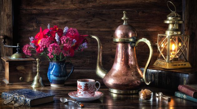 Photo free lamp, teapot, books