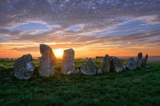 Бесплатные фото Beltany Ancient Standing Stone Circle,Raphoe,Co Donegal,Ирландия,закат,поле,камни,пейзаж