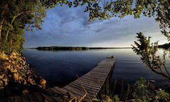 Заставки закат, озеро, причал, деревья, Финляндия, небо, отражение