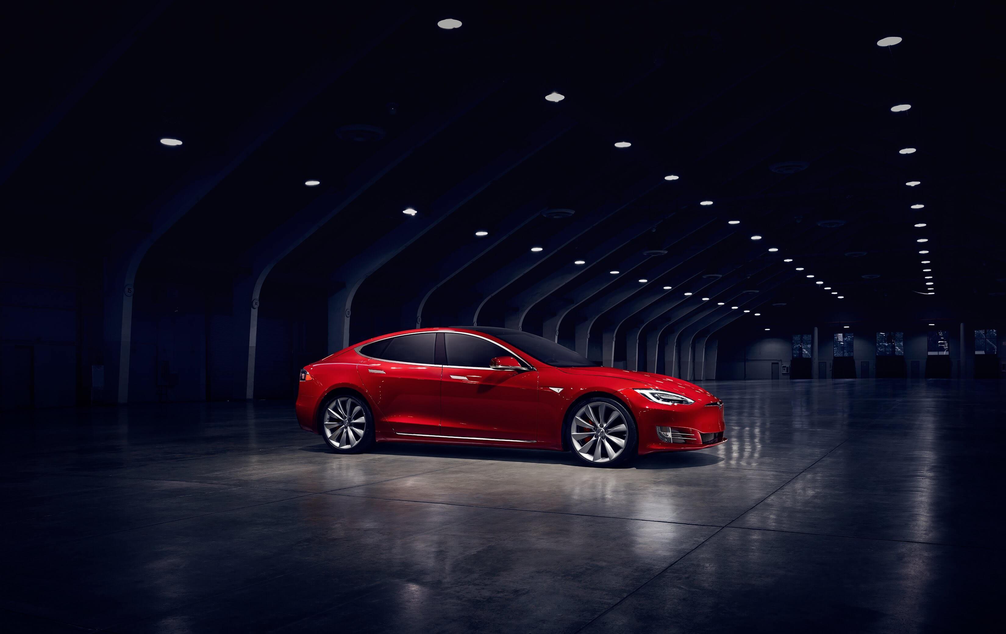 Обои электромобиль, зарядка, красный, Тесла