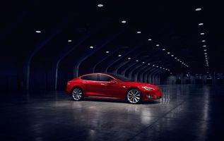Заставки электромобиль, зарядка, красный