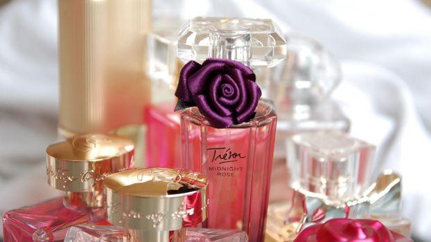 Бесплатные фото духи,украшение,парфюм,флаконы