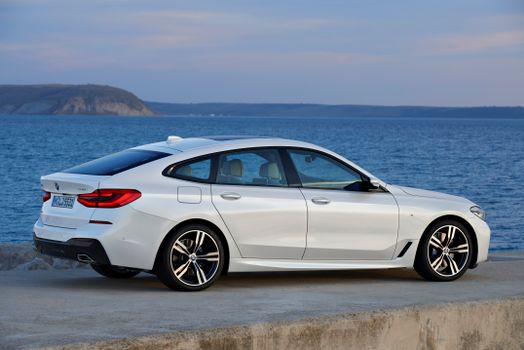 Screensaver on a phone bmw 6er 640i xdrive gran tourismo, car