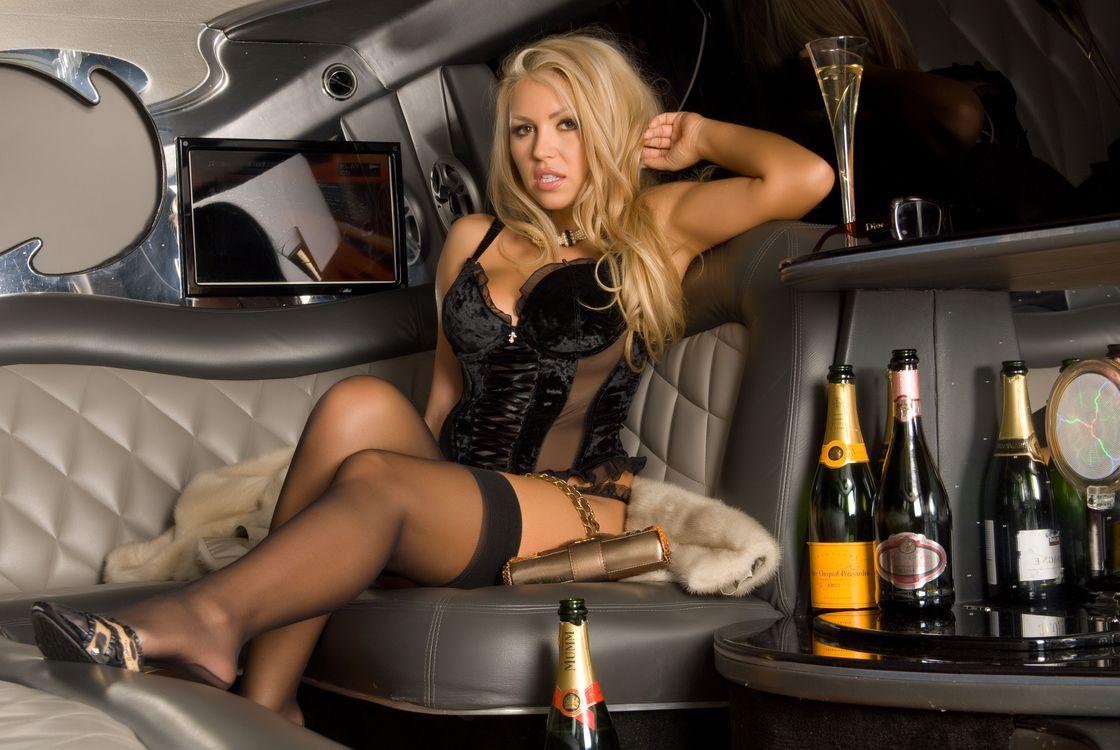 смотреть проститутка для богатого упал рядом