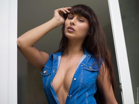 Заставки Yarina A, красотка, позы