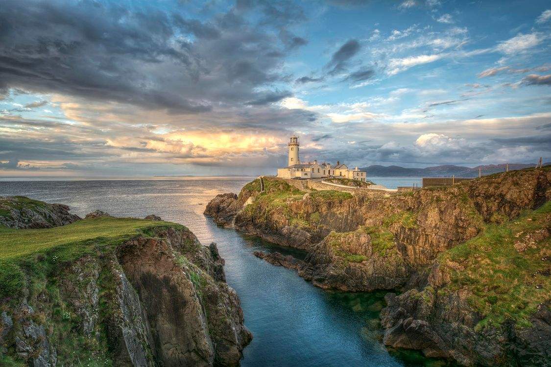 Обои Маяк Фанада, графство Донегал, Ирландия картинки на телефон