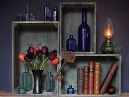 Бесплатные фото полка,цветы,ключ,книги,натюрморт