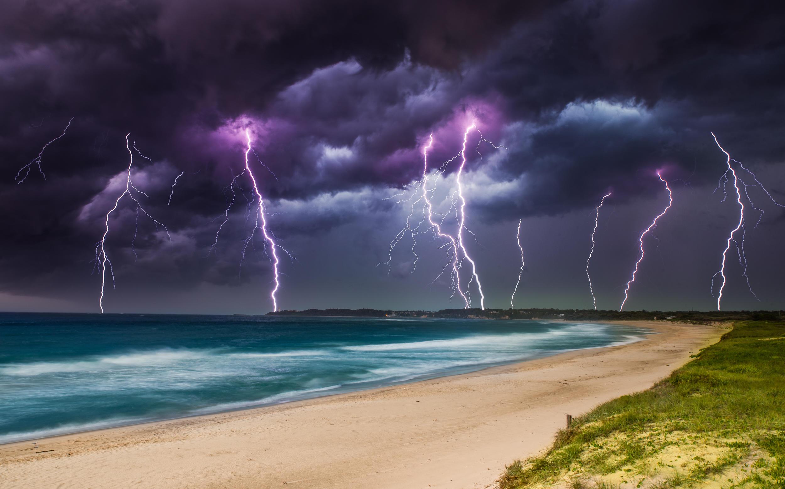 молния на море живое фото необходимо загрузить
