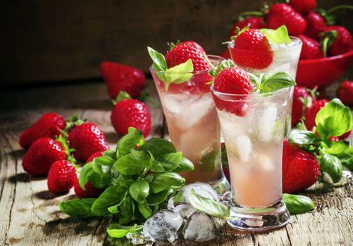 Photo free drink, ice, strawberries