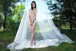 Бесплатные фото Sade Mare,модель,красотка,голая,голая девушка,обнаженная девушка,позы