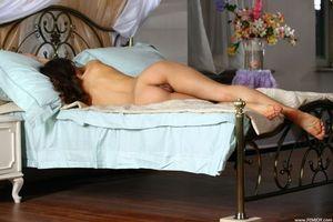 Бесплатные фото Johanna D,модель,красотка,голая,голая девушка,обнаженная девушка,позы