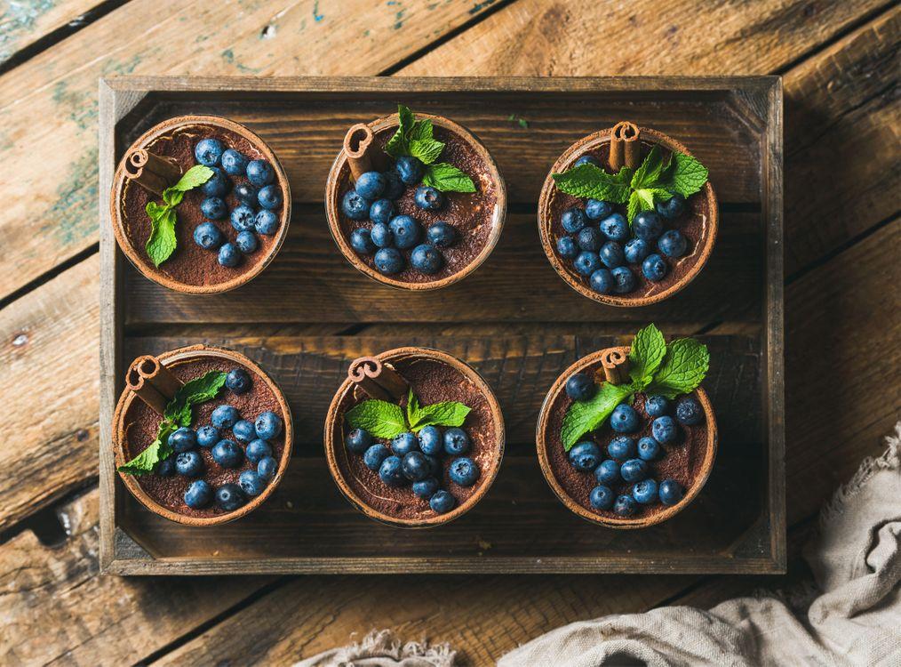 Фото бесплатно мята, черника, тирамису, десерт, еда, завтрак, ягоды, еда