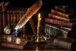 Бесплатные фото стол,книги,очки,свеча,перо,натюрморт