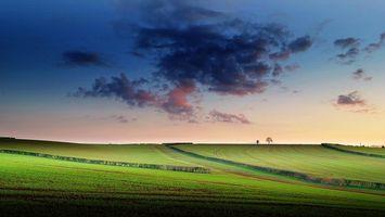 Бесплатные фото закат,поле,холмы,деревья,небо,облака,пейзаж
