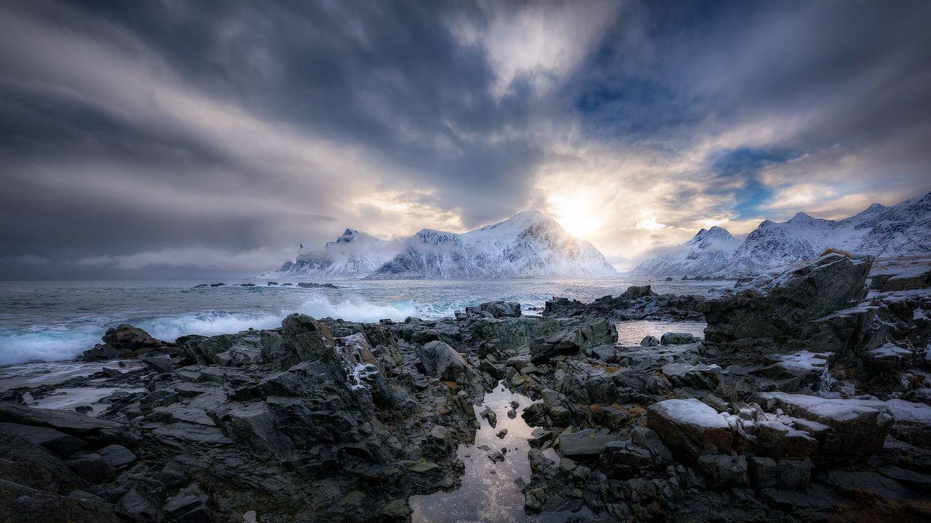 Фото бесплатно закат, море, скалы, камни, горы, пейзаж, пейзажи - скачать на рабочий стол