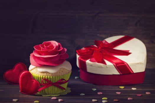 Бесплатные фото кекс,подарок,сердечко