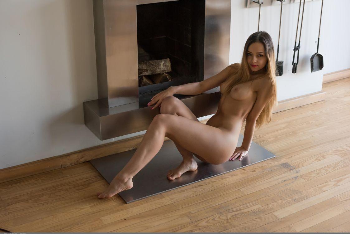 Фото бесплатно Karina Baru, Karina, Mary, Slava, модель, красотка, голая, голая девушка, обнаженная девушка, позы, поза, сексуальная девушка, эротика, эротика - скачать на рабочий стол