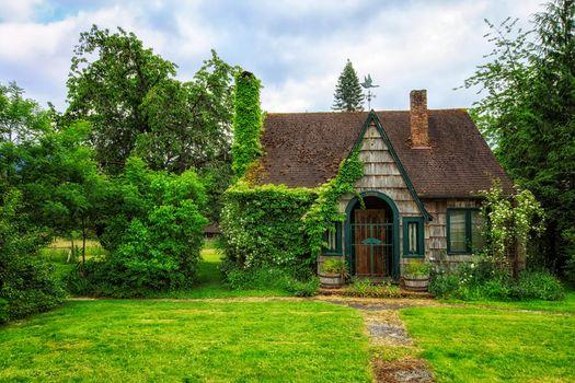 Photo free beautiful house, meadow, trees