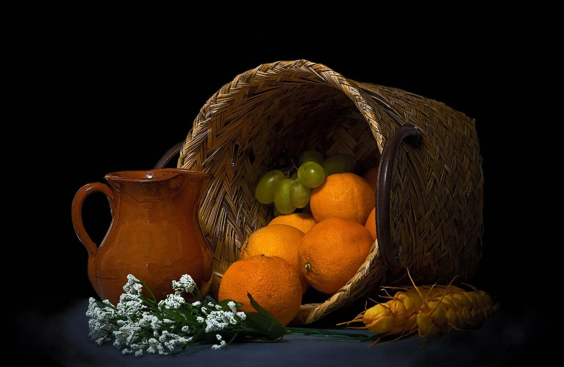 Photos for free oranges, basket, grapes - to the desktop