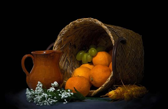Фото бесплатно апельсины, корзина, виноград, фрукты, еда, натюрморт