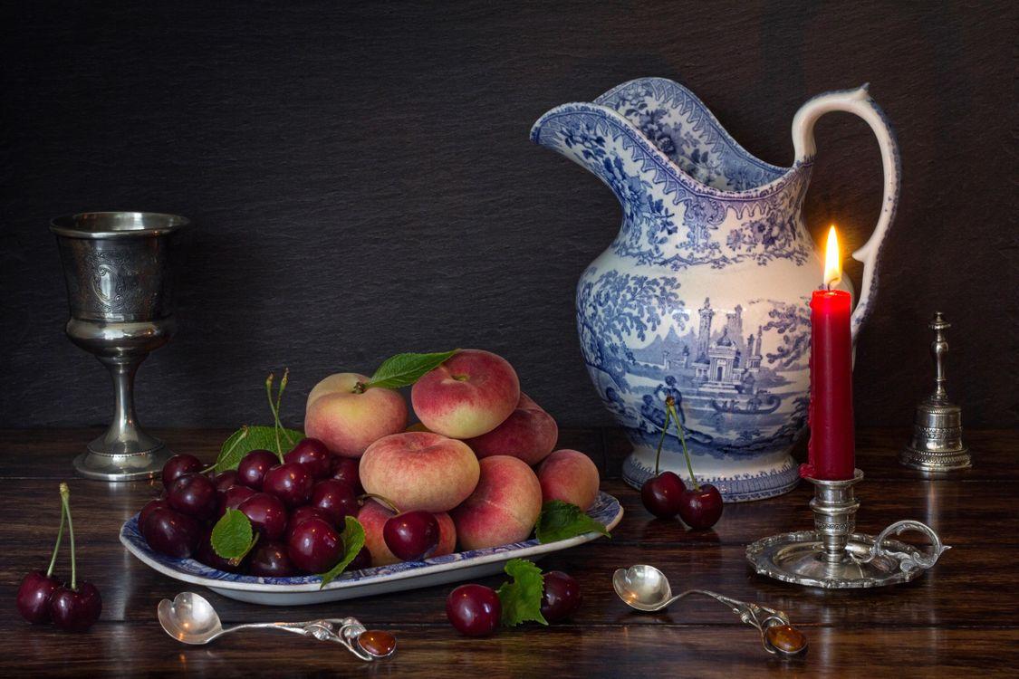 Фото бесплатно персики, черешня, свеча - на рабочий стол