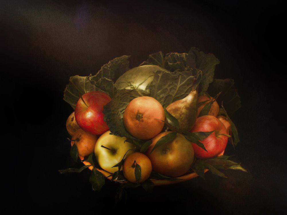 Фото бесплатно фрукты, десерт, еда, яблоки, груши, чёрный фон, fonwall ru, еда