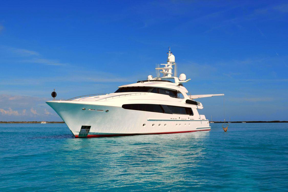 Фото на телефон море, яхта