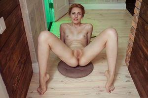 Бесплатные фото Shirley Tate,красотка,голая,голая девушка,обнаженная девушка,позы,поза