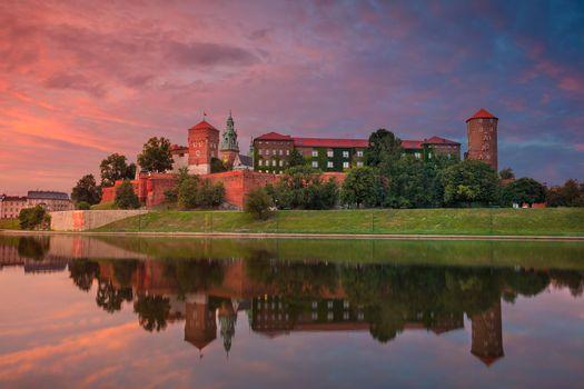 Бесплатные фото Королевский замок Вавель,Краков,Польша,закат