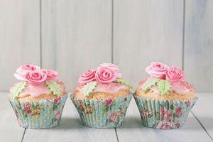 Бесплатные фото birthday cake, украшение розы, кексы, крем, выпечка