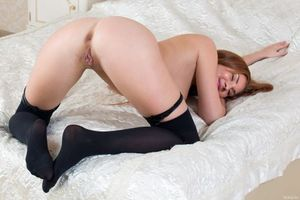 Бесплатные фото Genie Agila,модель,красотка,голая,голая девушка,обнаженная девушка,позы
