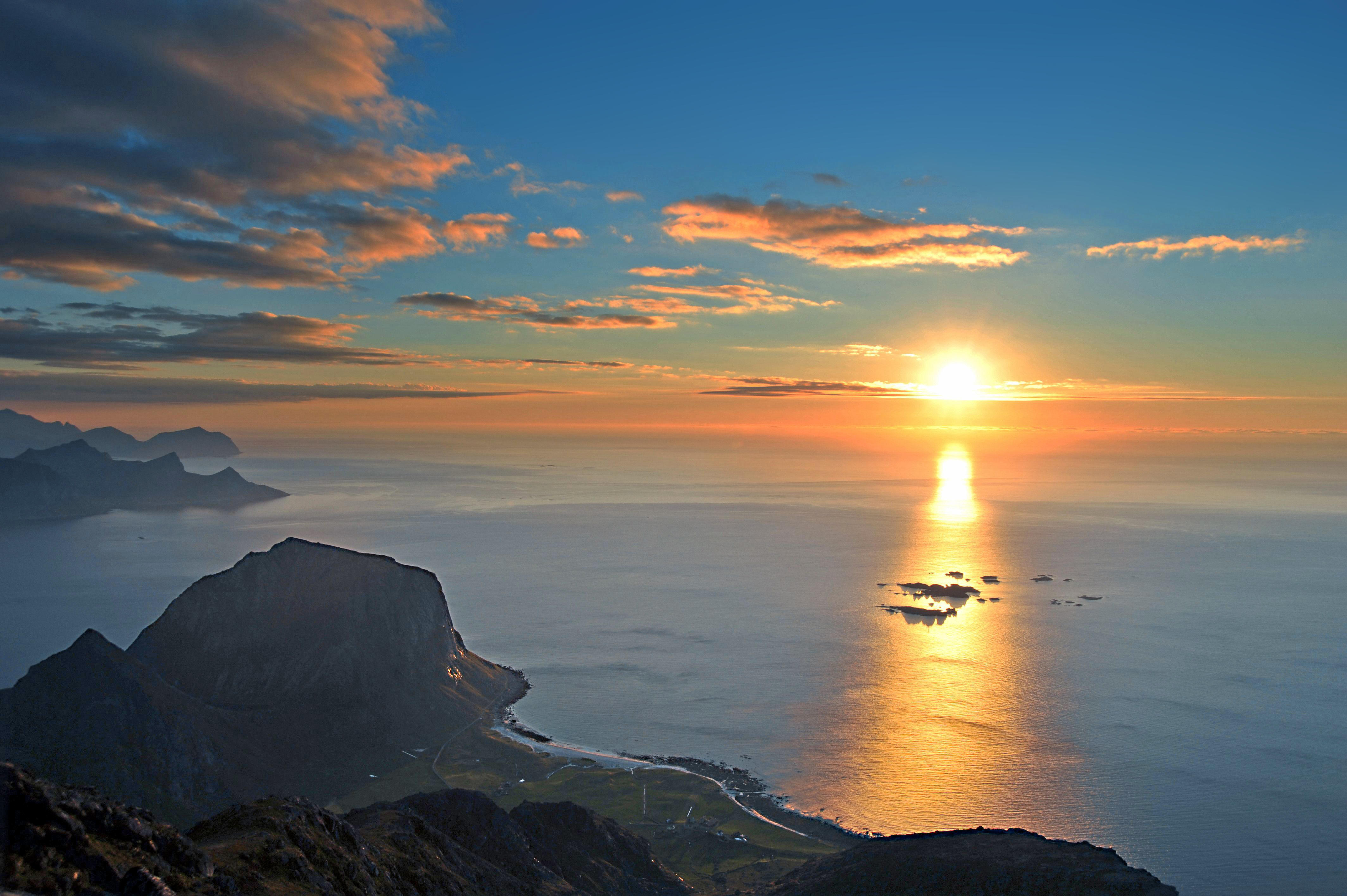 фото восход над морем высоте здание